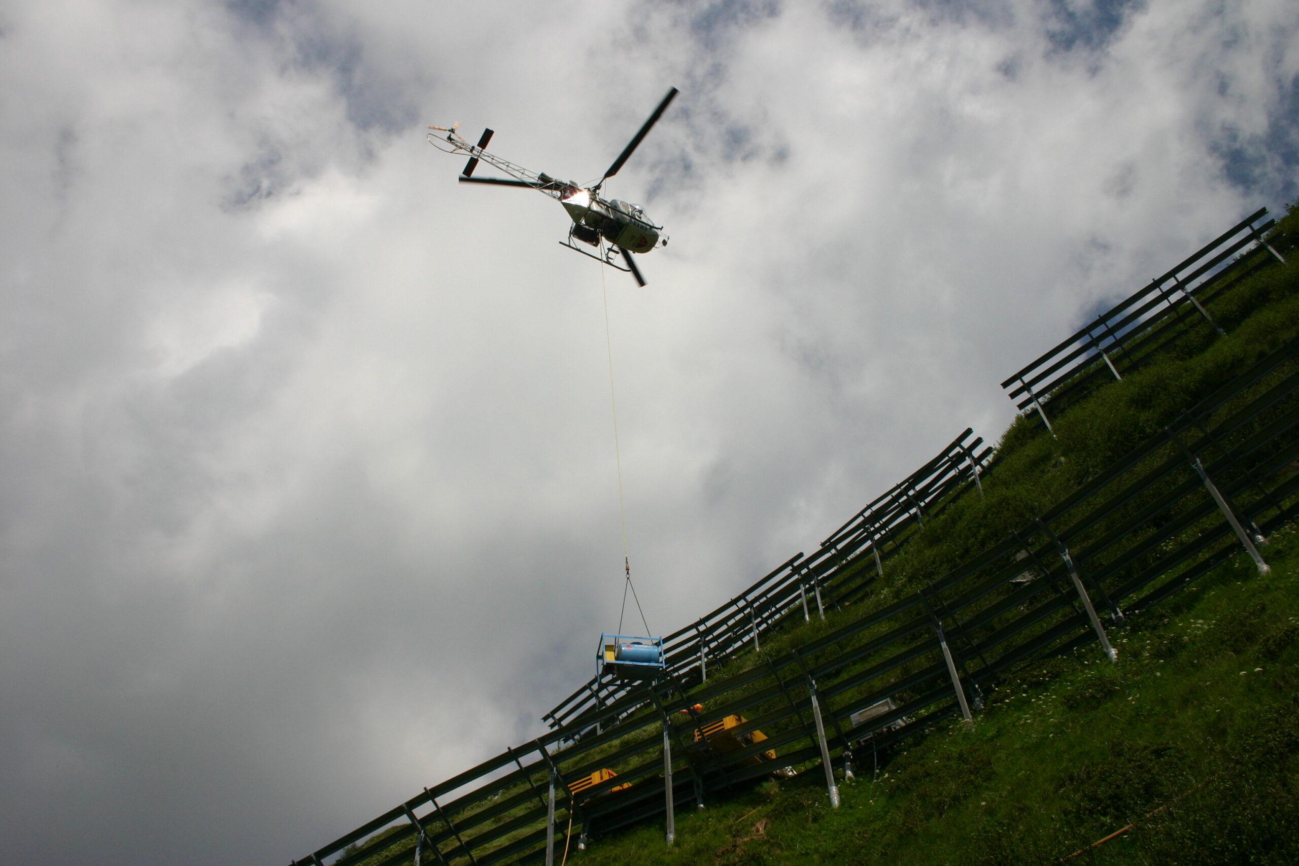 Posa in opera con elicottero